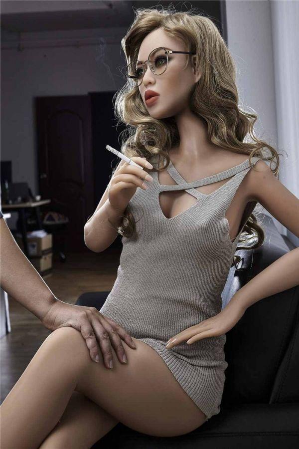 155cm 5ft1 Cheap Curvy American Sex Doll Akisha
